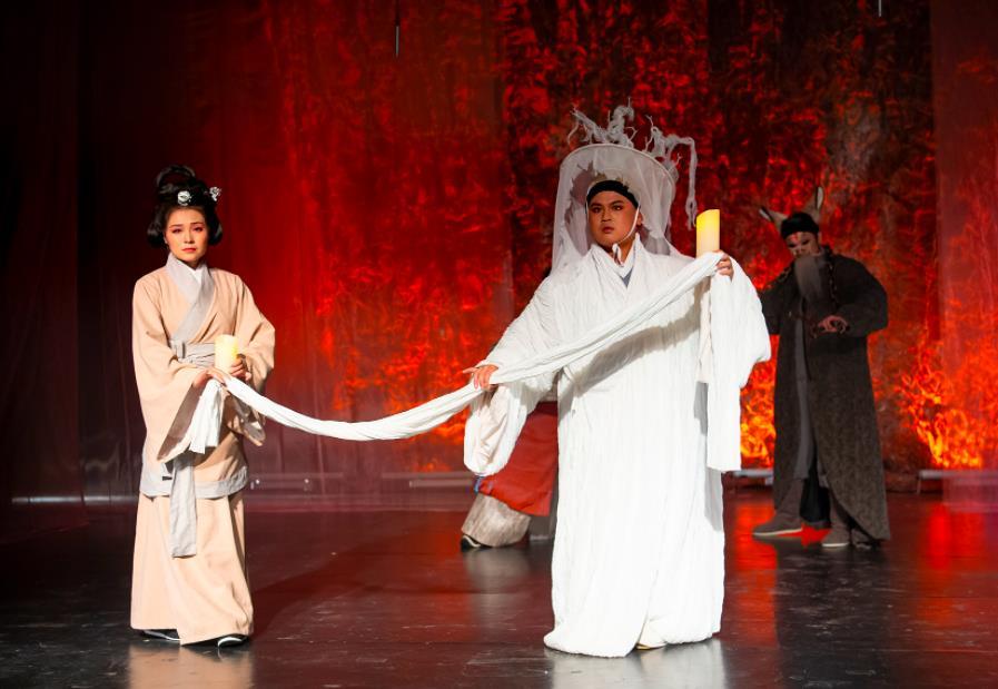 一群中国<a href='http://www.xijucn.com/'><u>戏曲</u></a>学院毕业生创作的《魂归处》顺利首演